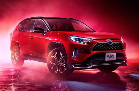 Toyota launches a plug-in hybrid version of the RAV4 in