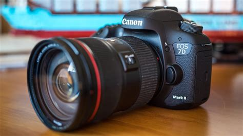 Tested: Canon 7D Mark II vs
